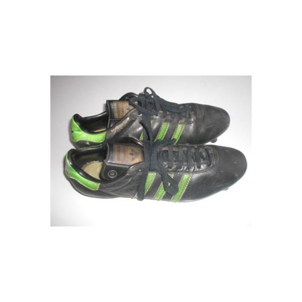 chaussures crampons des ann es 90 adidas penarol argus. Black Bedroom Furniture Sets. Home Design Ideas