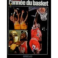 Livre L&#39année du BASKET 1993 N°1 Thierry Bretagne 212 pages