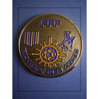 Ancienne Médaille FFF DISTRICT DES ALPES en métal