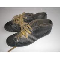 Chaussures Crampons des années 70 LA HUTTE