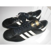 Chaussures Crampons des années 90 ADIDAS VALENCIA neuves