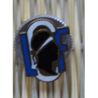 Pin's bouton manchette LCF LIGUE CORSE DE FOOTBALL