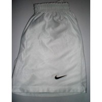 Short NIKE blanc taille S